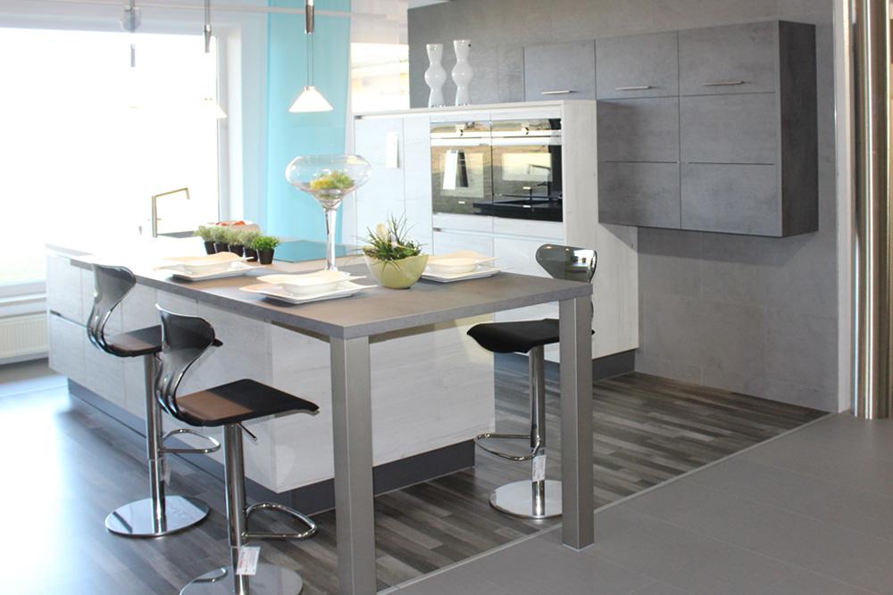 varia wei dorf k chen sieber weissdorf k chenstudio k chenausstellung elektroger te. Black Bedroom Furniture Sets. Home Design Ideas